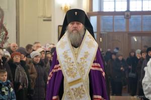 Ректор духовной семинарии возглавил праздничный молебен