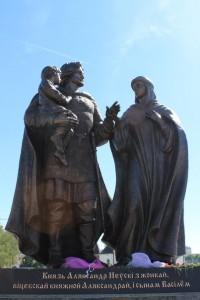 Состоялось открытие и освящение памятника князю Александру Невскому