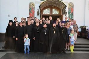 Студенты Витебской духовной семинарии молились у мощей  преподобного Силуана Афонского