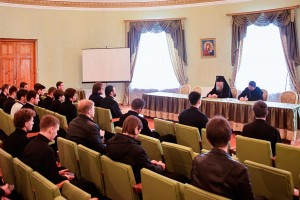 Состоялась встреча ректора духовной семинарии со студентами