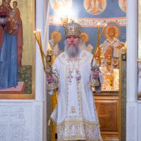 Ректор Витебской духовой семинарии совершил Божественную литургию в Воскресенском храме города Витебска