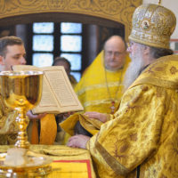 Ректор семинарии возглавил Божественную литургию в Свято-Покровском соборе Витебска