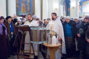 Первый проректор семинарии совершил Литургию и великое освящение воды