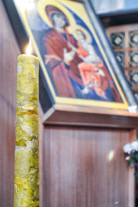 """В праздник Сретения первый проректор семинарии освятил """"братскую свечу"""""""