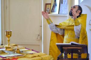 Проректор по воспитательной работе совершил заупокойное богослужение в семинарском храме.