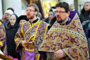 В Крестопоклонную Неделю первый проректор совершил Литургию в храме Воскресения Христова города Витебска