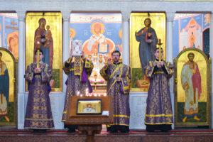 В канун Крестопоклонной Недели первый проректор совершил всенощное бдение в храме Воскресения Христова города Витебска