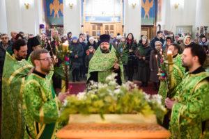 В канун Недели ваий первый проректор возглавил всенощное бдение в храме Воскресения Христова города Витебска