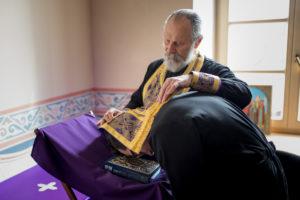 Семинаристы приняли участие в таинстве Покаяния