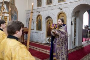 В Великий четверг семинаристы помолились в Марковом мужском монастыре
