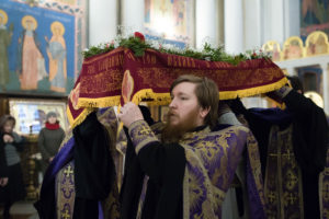 Первый проректор Витебской духовной семинарии совершил полиелейную утреню с чином погребения Господа нашего Иисуса Христа