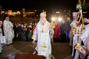 Ректор духовной семинарии возглавил Пасхальное богослужение в Свято-Успенском кафедральном соборе