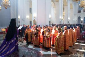 Преподаватели и студенты приняли участие в Пасхальном молебне