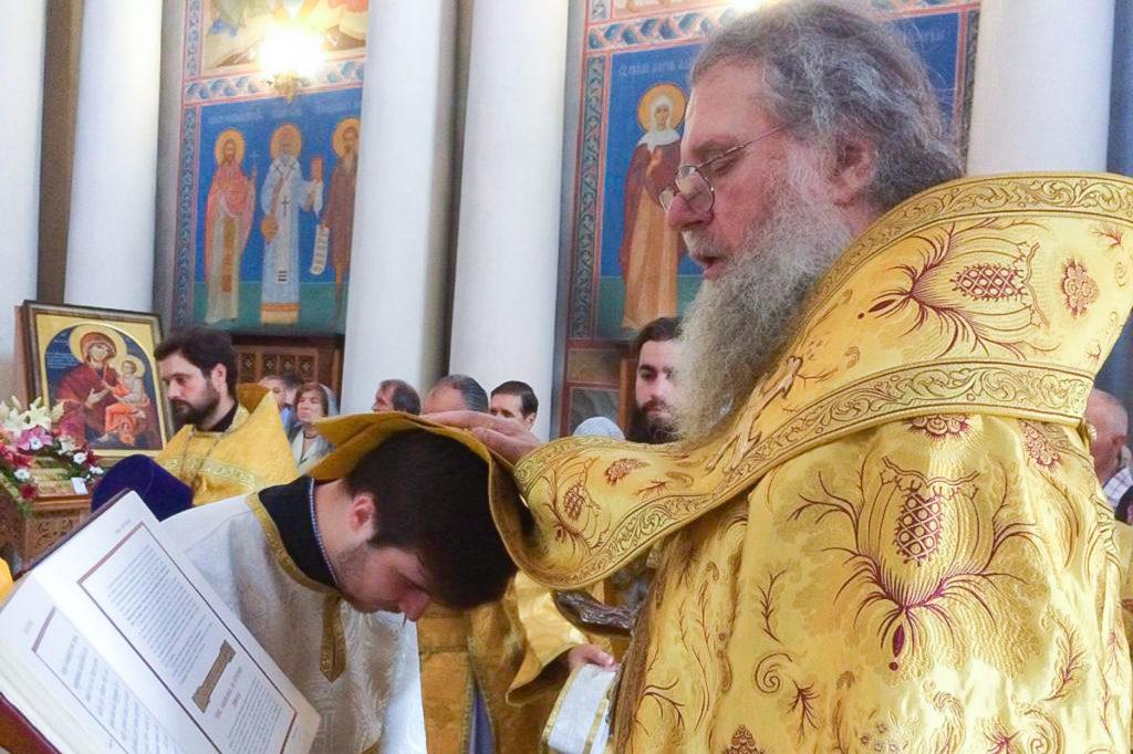 Архиепископ Димитрий возглавил Божественную литургию в храме Воскресения Христова
