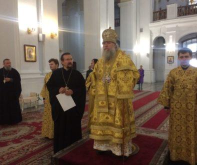 Ректор семинарии возглавил Божественную литургию в Свято-Успенском кафедральном соборе