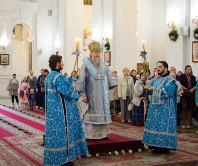 Божественная литургия в Свято-Успенском кафедральном соборе. Фоторепортаж