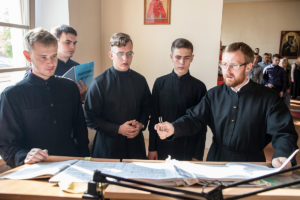 Архиепископ Димитрий возглавил Божественную литургию и молебен перед началом учебного года