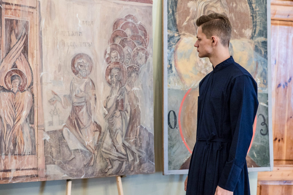 В актовом зале семинарии прошло открытие выставки копий фресковой живописи «Образ, Традиция, Время»