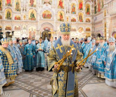 Ректор семинарии сослужил Святейшему Патриарху Московскому ивсея Руси Кириллу в храме Всех святых города Минска