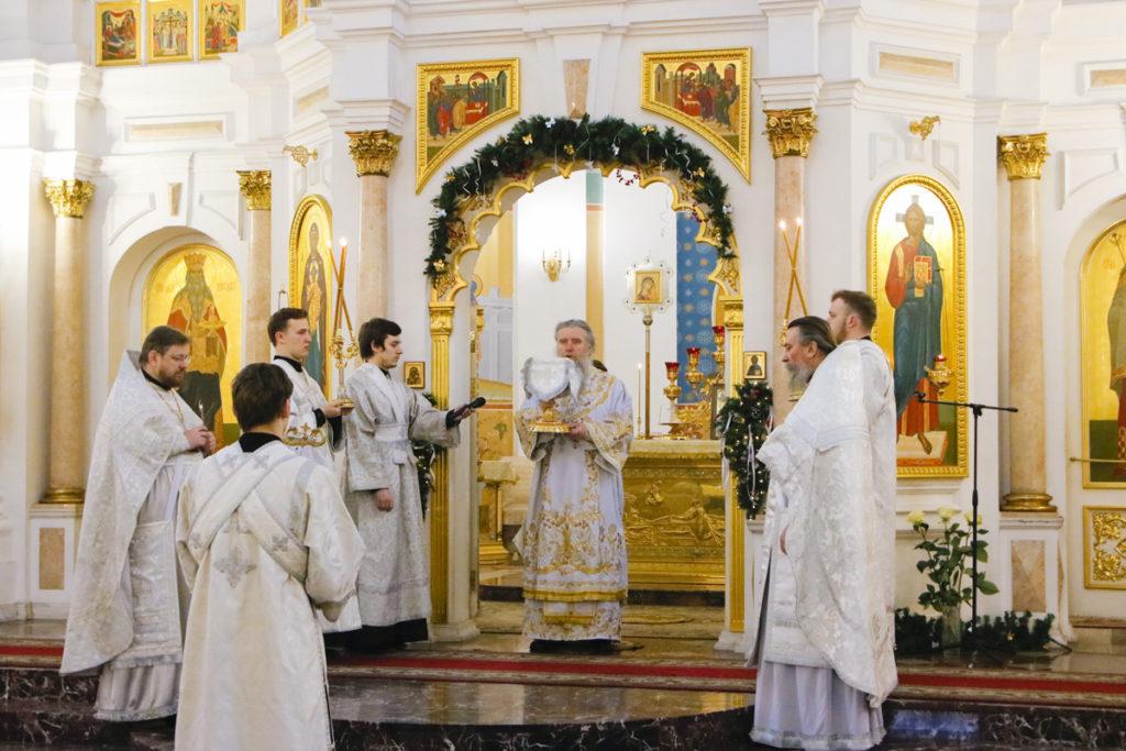 В праздник Крещения Господня ректор семинарии возглавил Литургию в Свято-Успенском кафедральном соборе