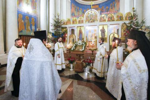 В канун праздника Крещения Господня первый проректор семинарии совершил всенощное бдение в храме Воскресения Христова