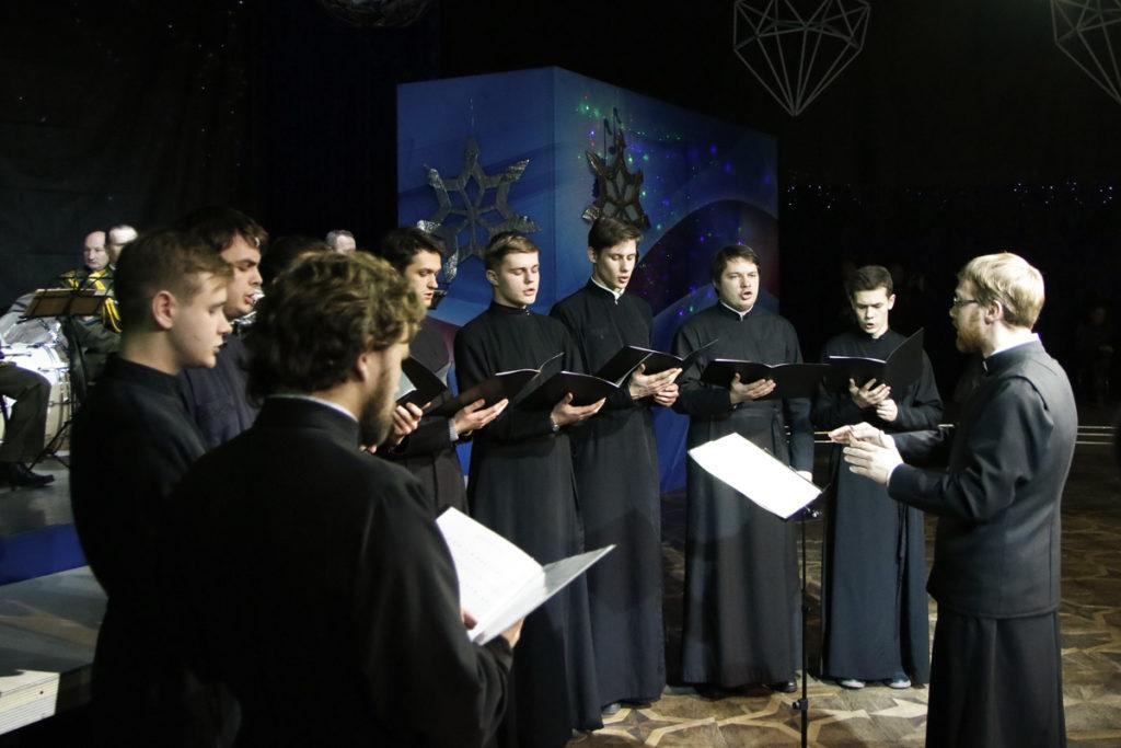 Семинарский хор принял участие в областном празднике духовной музыки и рождественском балу