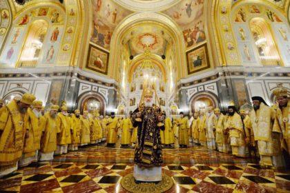 В 10-ю годовщину интронизации Святейшего Патриарха Кирилла ректор семинарии принял участие в торжественной Божественной литургии в Храме Христа Спасителя