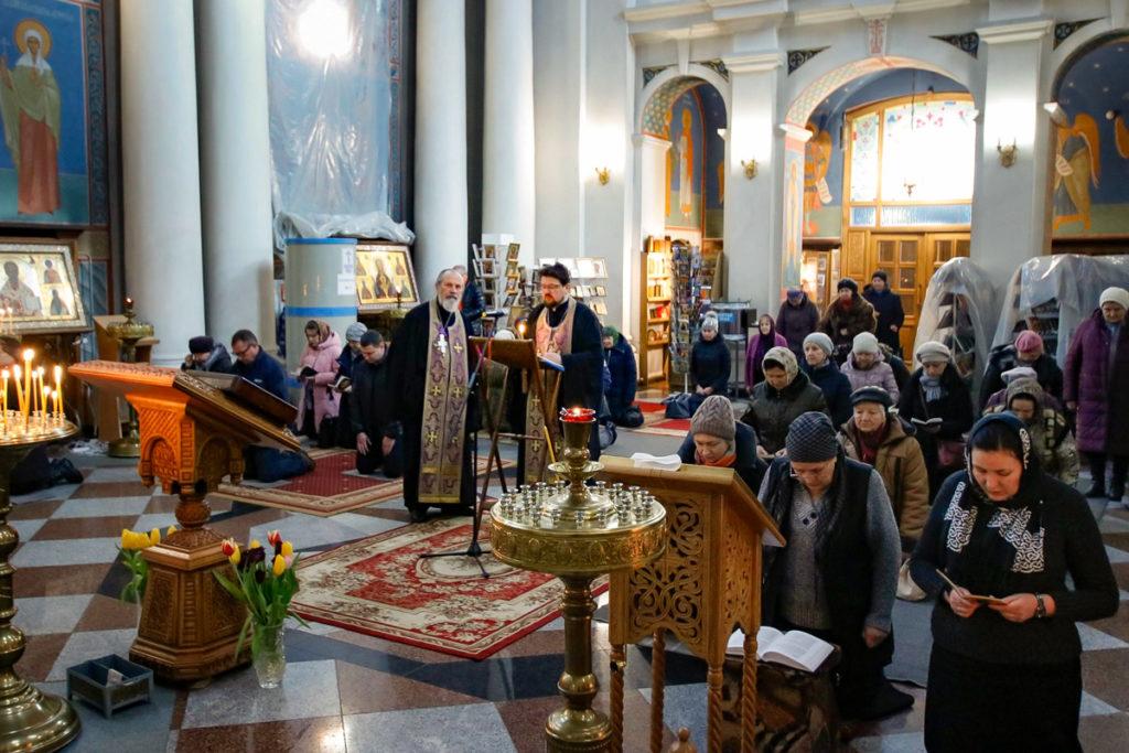 Первый проректор семинарии совершил великое повечерие с чтением Великого канона преподобного Андрея Критского