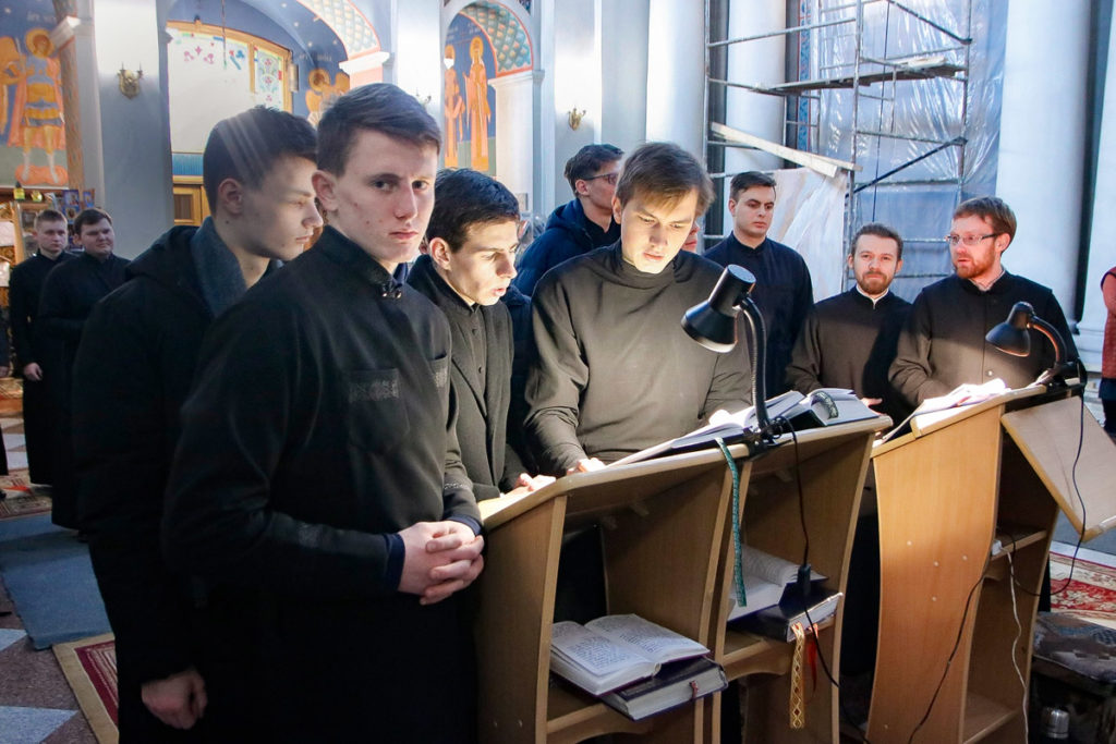 Во вторник первой седмицы Великого поста семинаристы помолились в храме Воскресения Христова
