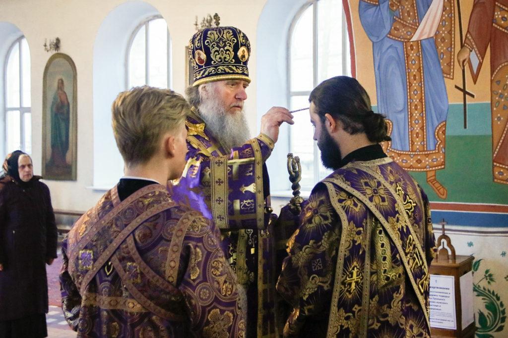 В пятницу первой седмицы Великого поста ректор семинарии возглавил всенощное бдение в Марковом мужском монастыре