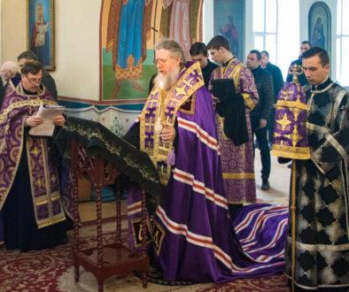 Ректор семинарии совершил Пассию в Марковом мужском монастыре