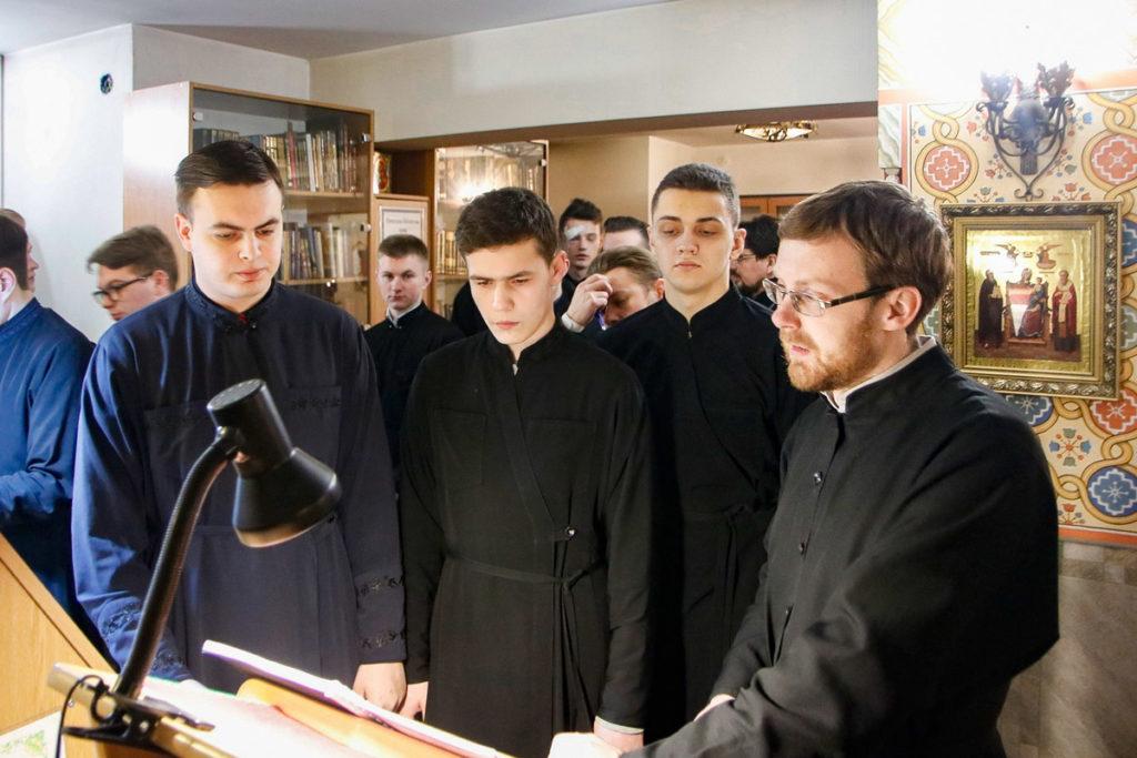 В понедельник первой седмицы Великого поста семинаристы помолились в храме святого Антония Римлянина