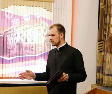 """Преподаватель семинарии выступил с лекцией в Центре культуры """"Витебск"""""""
