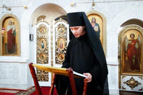 Семинаристы помолились за великопостным богослужением «Стояние преподобной Марии Египетской»