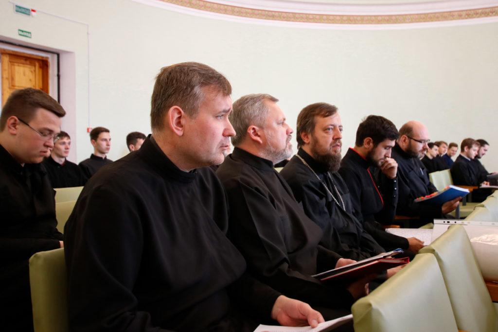 В Витебской духовной семинарии прошла защита дипломных работ