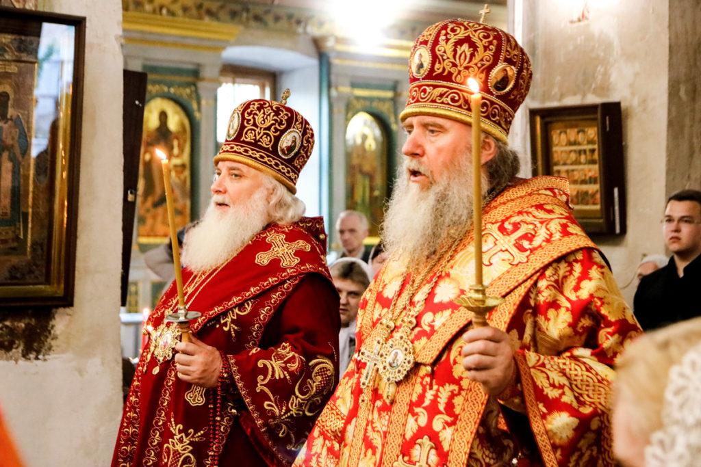 Ректор семинарии и митрополит Истринский Арсений совершили всенощное бдение в храме святой великомученицы Ирины в Покровском города Москвы