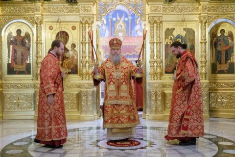 Ректор семинарии принял участие в Божественной литургии в Новодевичьем монастыре Санкт-Петербурга