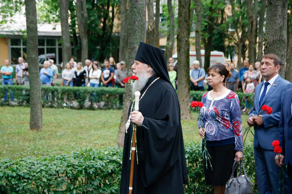 Ректор семинарии принял участие в митинге, посвященном Дню всенародной памяти жертв Великой Отечественной войны