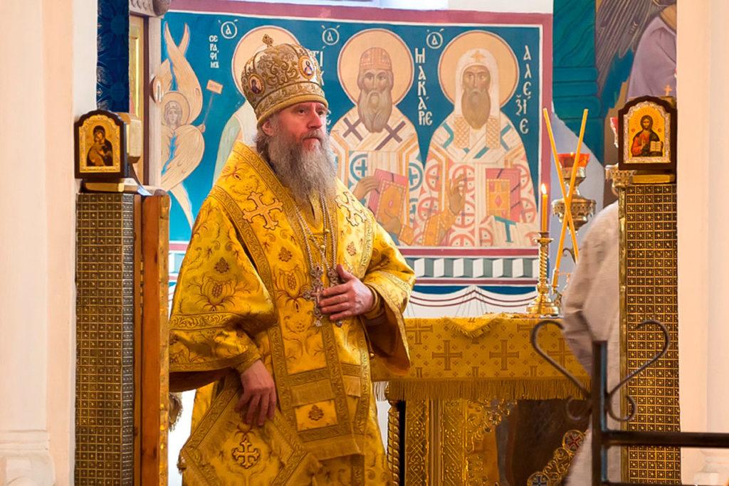 В день памяти святого равноапостольного князя Владимира ректор семинарии совершил Литургию в Свято-Покровском соборе города Витебска