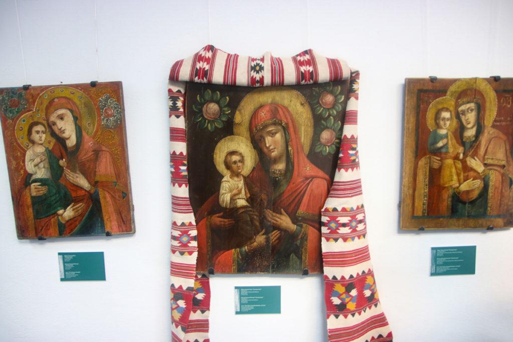 Представители семинарии приняли участие в торжественном открытии выставки «Народные иконы Беларуси»