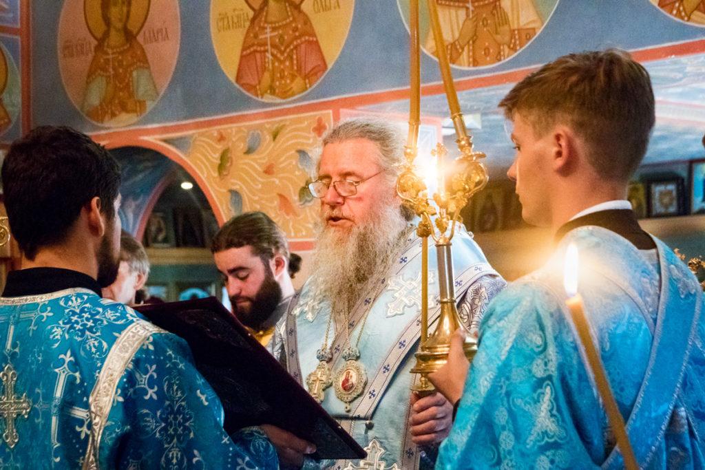 Ректор семинарии совершил всенощное бдение в храме святого Георгия Победоносца города Витебска