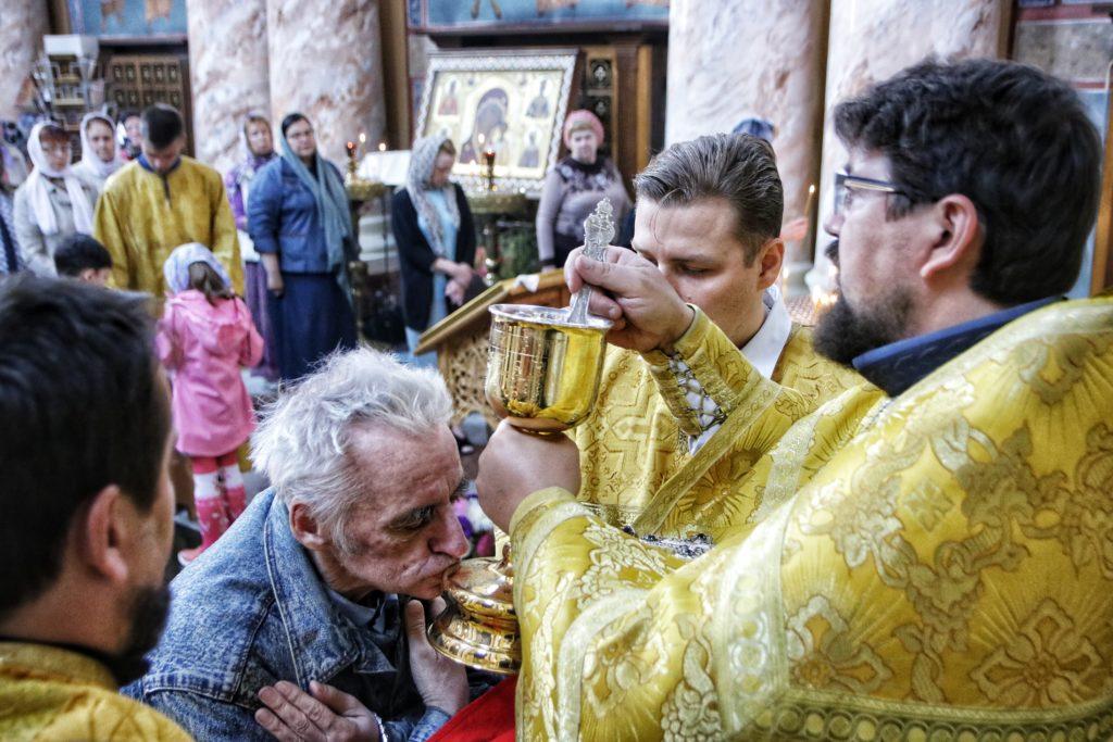 Первый проректор семинарии возглавил воскресное богослужение в храме Воскресения Христова