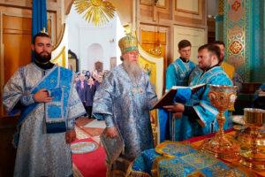 Ректор семинарии возглавил престольные торжества в храме Рождества Богородицы города Орши