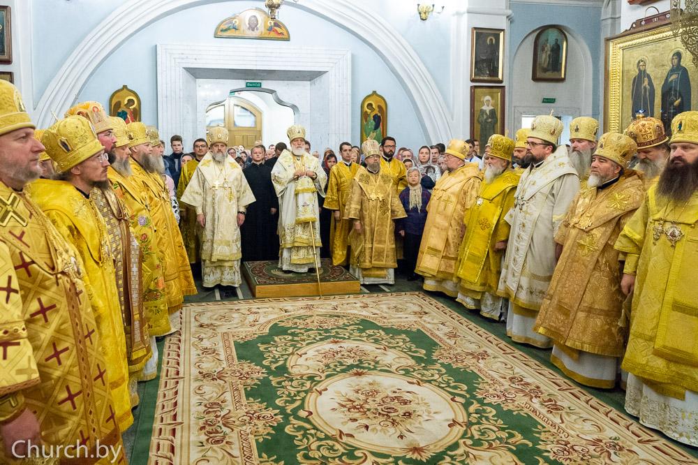 Вканун Недели поВоздвижении ректор семинарии сослужил митрополиту Павлу вСвято-Духовом кафедральном соборе города Минска