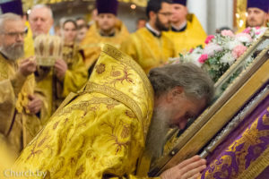 Вканун Недели поВоздвижении ректор семинарии сослужил митрополиту Павлу в вСвято-Духовом кафедральном соборе города Минска