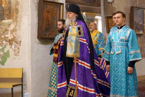 В праздник Покрова Пресвятой Богородицы ректор семинарии совершил Литургию в храме великомученицы Ирины