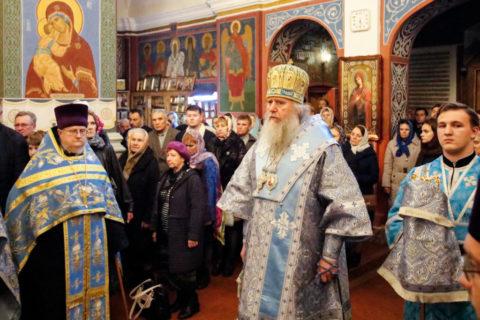В канун праздника Покрова Пресвятой Богородицы ректор семинарии совершил всенощное бдение в одноименном соборе города Витебска