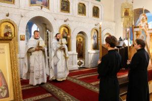 В день поминовения усопших семинаристы помолились в Свято-Троицком Марковом мужском монастыре