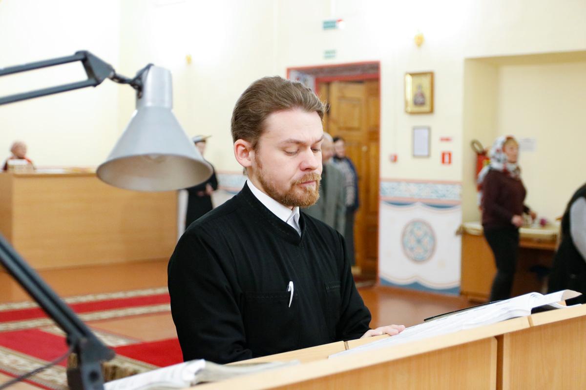 В день памяти святителя Николая Чудотворца в семинарском храме были совершены праздничные богослужения