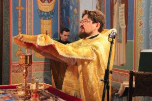 В Неделю двадцать шестую по Пятидесятнице первый проректор совершил Литургию в храме Воскресения Христова